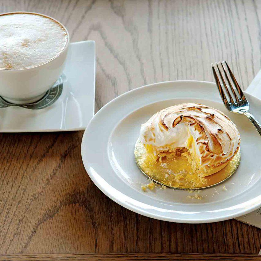 deli-coffee-pastry
